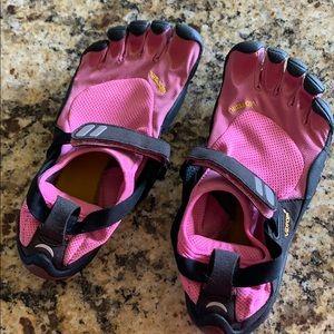 Vibram fivefinger trek sport running shoes